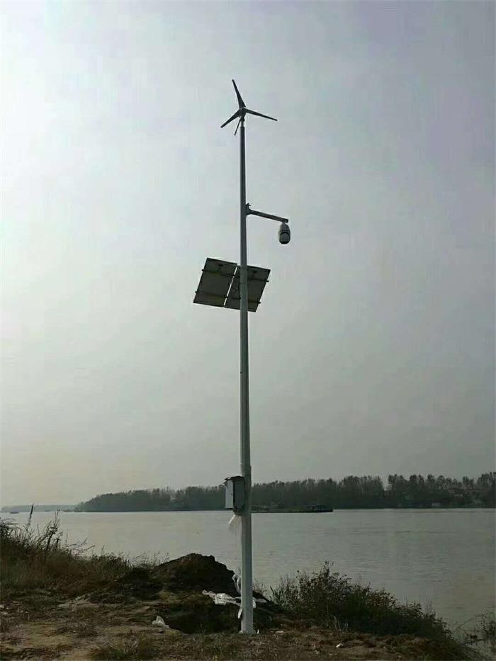 太阳能风电一体监控高杆灯
